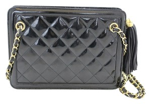 Chanel Patent Diamond Quilted Shoulder Bag