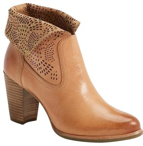 UGG Australia Leather Perforated Suntan Boots