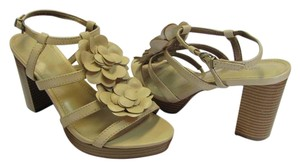 Old Navy New Size 8.00 M Excellent Condition Neutral Sandals