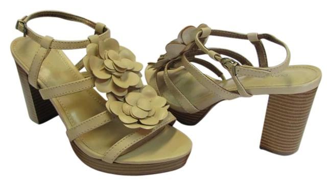 Old Navy Neutral New M Excellent Condition Sandals Size US 8 Regular (M, B) Old Navy Neutral New M Excellent Condition Sandals Size US 8 Regular (M, B) Image 1