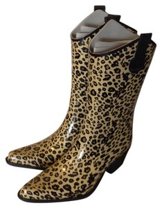 Journee Collection Boots