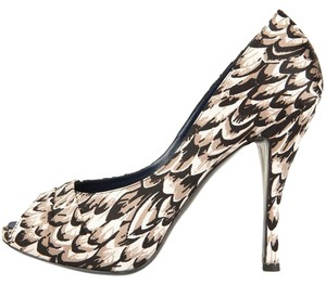 Roger Vivier Black & Beige Pumps