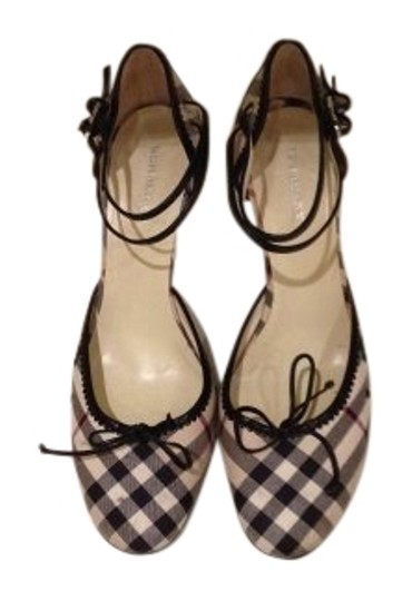 Preload https://item4.tradesy.com/images/burberry-plaid-pumps-size-us-10-158218-0-1.jpg?width=440&height=440