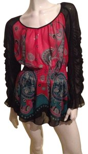 Bisou Bisou Top Black and red