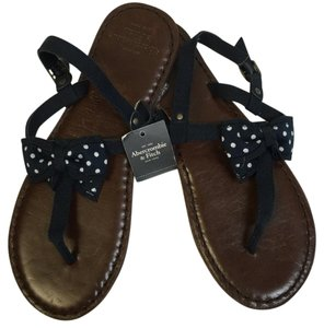 Abercrombie & Fitch Polka dot Sandals