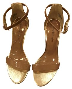 Madden Girl Nude/Gold Wedges