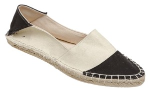 Report Signature Cream/Black Flats