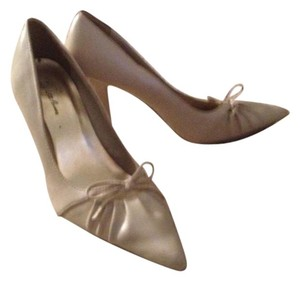 Charlotte Russe Cream/nude Pumps