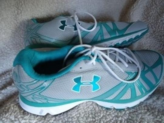 Under Armour Running Worn Once Indoors Grey w/Teal Athletic
