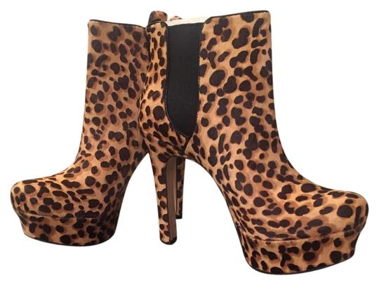 Preload https://img-static.tradesy.com/item/15835558/vince-camuto-bootsbooties-size-us-75-regular-m-b-0-1-540-540.jpg