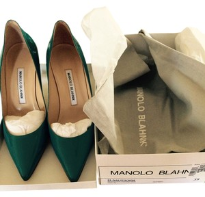 Manolo Blahnik Nausikaba Patent Leather Pointed Toe Stiletto Meduim Heel Blue Metal Pumps