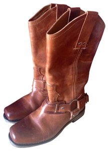 Eddie Bauer Distress Brown Boots