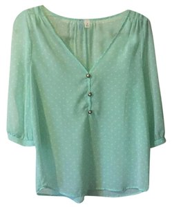 Francesca's Top Mint