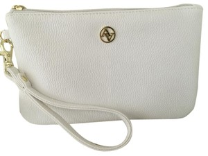Adrienne Vittadini Wristlet in White Pebble
