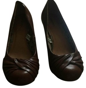 Xhilaration Dark tan Wedges