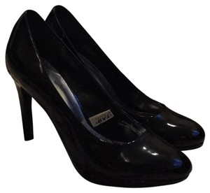 Massimo Black Pumps