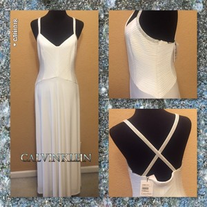Calvin Klein Pageant Homecoming Wedding Dress