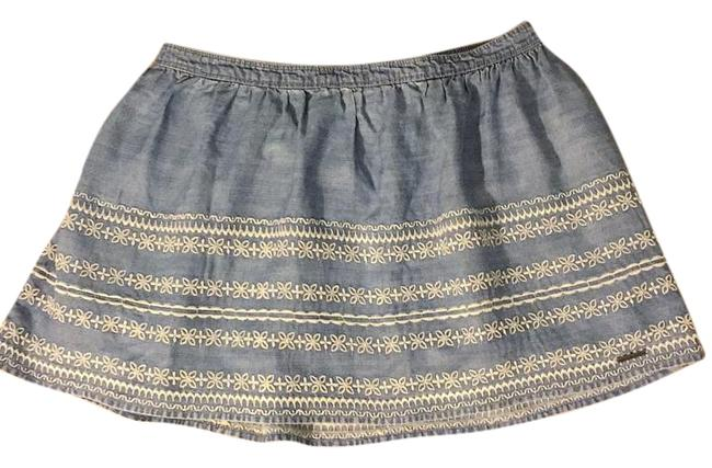 Preload https://img-static.tradesy.com/item/15844564/abercrombie-and-fitch-miniskirt-size-8-m-29-30-0-1-650-650.jpg