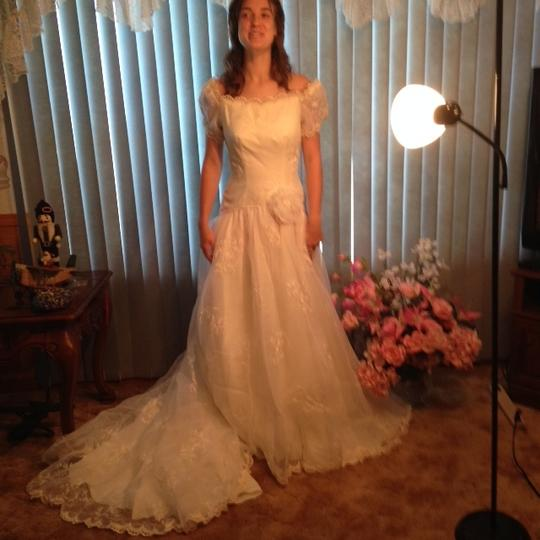 White Wedding Dress Song: & Other Stories Very Formal And Modern Wedding Dress On