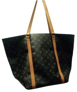 Louis Vuitton Luis Discounted Tote in beige / brown