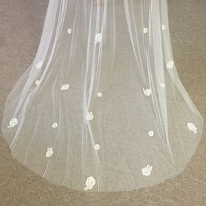 Malis-Henderson Faux Silk Ivory Cathedral Veil