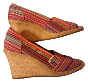 TOMS Multi Wedges