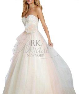 Alfred Angelo Sleeping Beauty Wedding Dress Wedding Dress