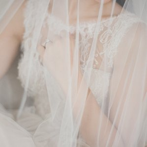 Bel Aire Bridal Ivory/Diamond White Short Bridal Veil