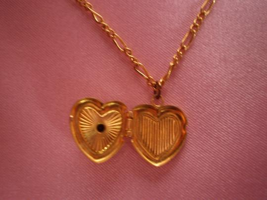 Other Like new locket w/green solitaire necklace