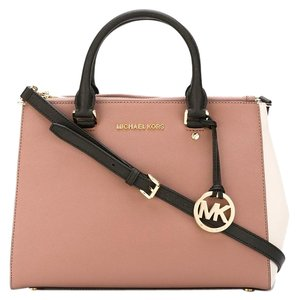 Michael Kors Mk Satchel in Ecru Black