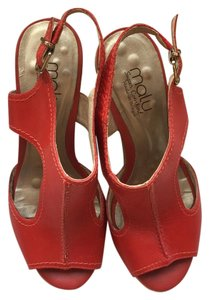 Malu Red Wedges
