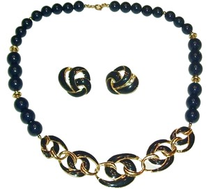 Unknown Navy Bead Necklace 20