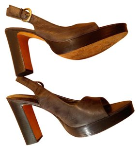 Kenneth Cole Reaction Heels Size 8.5 brown Pumps