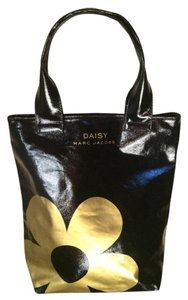 Marc Jacobs Travel Daisy Vip Tote in Gold & Black