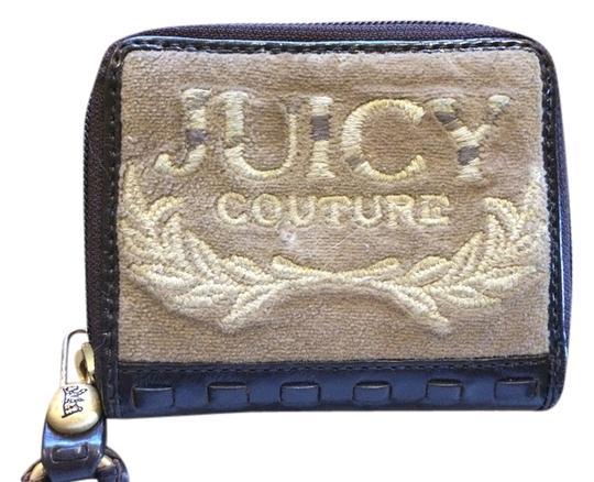 Preload https://item1.tradesy.com/images/juicy-couture-browntan-small-wallet-1586405-0-0.jpg?width=440&height=440