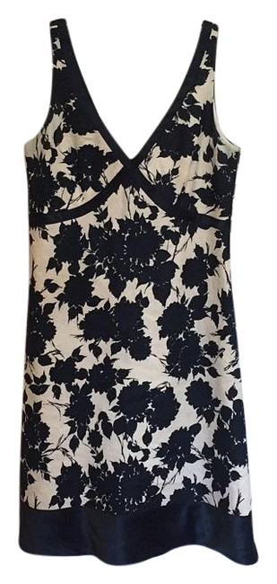 Preload https://img-static.tradesy.com/item/15867187/jcrew-navy-floral-knee-length-workoffice-dress-size-6-s-0-1-650-650.jpg