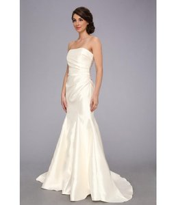 Badgley Mischka Ivory Satin Gown Silky Modern Wedding Dress Size 8 (M)