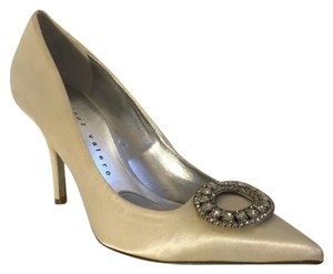 Martinez Valero Vintage Modern Wedding Ivory Pumps