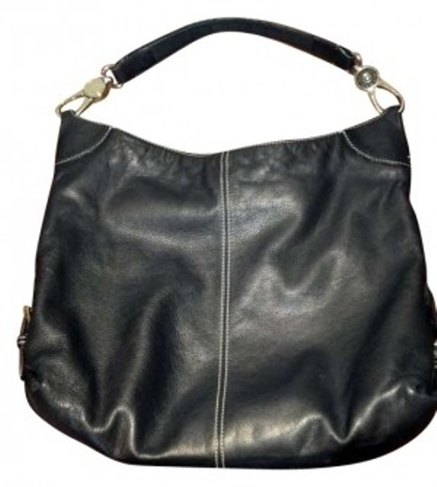 Preload https://item1.tradesy.com/images/dooney-and-bourke-black-leather-hobo-bag-158725-0-0.jpg?width=440&height=440