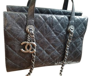 Chanel Gst Pst Caviar Top Tote in Black