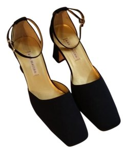 Ann Marino navy Pumps
