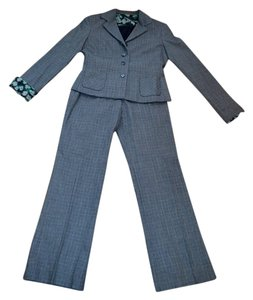 Elie Tahari Cute, Elegant gray and black with a hint of green pant suit.
