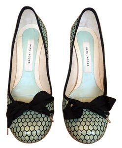 Marc Jacobs Green & Black Pumps