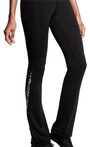 Victoria's Secret knockout yoga pant. short. yoga rise, straight leg.
