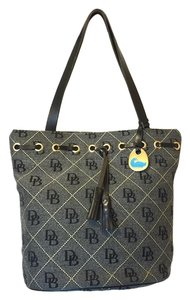 Dooney & Bourke Tote in dark gray