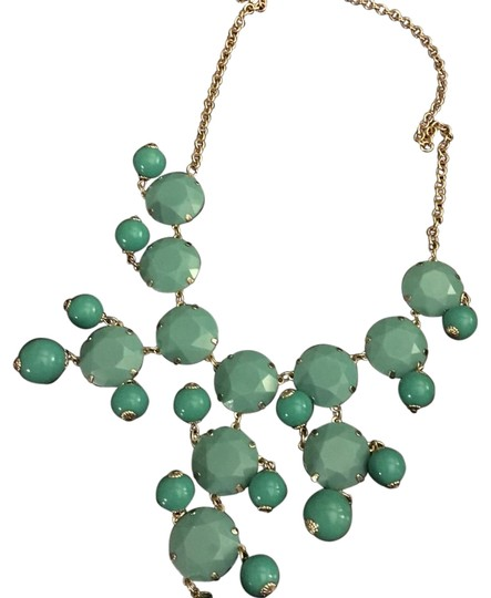 Preload https://img-static.tradesy.com/item/15880117/h-and-m-blue-necklace-0-1-540-540.jpg