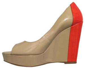 BCBGeneration nude and bright orange Platforms
