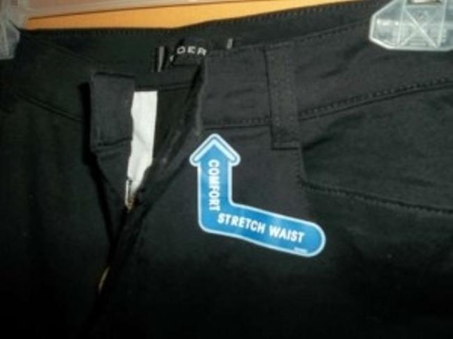 Lee With Front Slash Pockets In Size 12. Never Worn And Still Has Some Tags. Pants