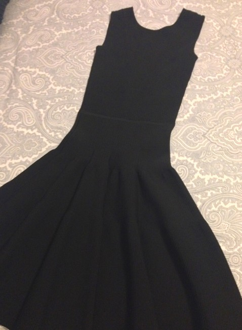 ISSA London Black Ribbed Stretch-knit Mid-length Night Out Dress Size 2 (XS) ISSA London Black Ribbed Stretch-knit Mid-length Night Out Dress Size 2 (XS) Image 6