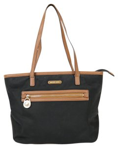Michael Kors Nylon Mk Tote in Black